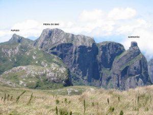 Cadeia de montanhas do PARNASO