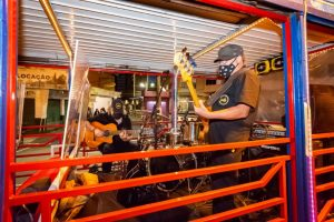 Banda Aventuras Instrumentais no Submarino Amarelo (01)