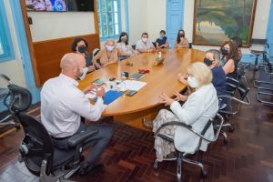 Política pública de proteção à mulher: Prefeito Vinicius Claussen regulamenta lei que cria auxílio aluguel para mulheres vítimas de violência em Teresópolis