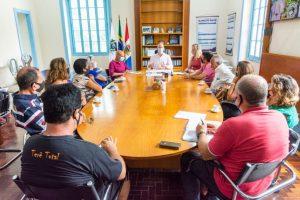 Prefeito Vinicius Claussen recebe representantes de movimentos e líderes comunitários de áreas atingidas na tragédia de 2011