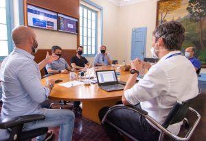 Prefeito Vinicius Claussen e secretários recebem pres. do INEA Philipe Campello
