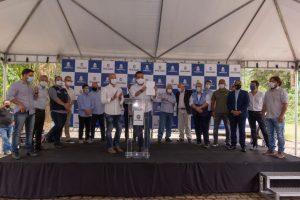 Prefeito entrega ao governador ofício com demandas e pedidos de melhorias para Teresópolis