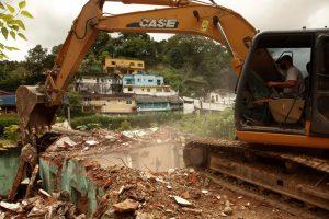 Demolição na Posse em Teresópolis