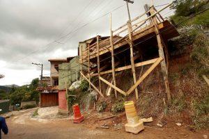 Obras de contenção na encosta do Salaco em Teresópolis
