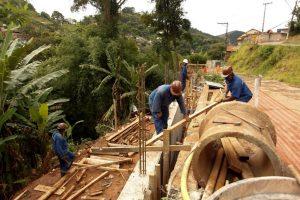 Obras de contenção na encosta do Salaco