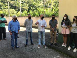 Prefeito Vinicius Claussen apresenta novo sec. de Agricultura, José Carlos da Estufa