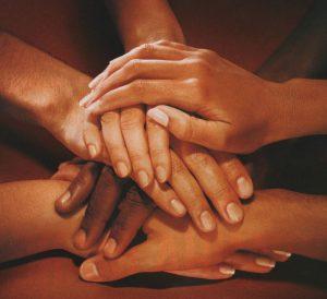 'Mãos que Acolhem': Teresópolis lança projeto para atender crianças e adolescentes de famílias vítimas de violência doméstica