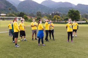 Professores da Secretaria de Esportes participam de capacitação com profissionais da CBF na Granja Comary