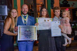 Prefeito Vinicius Claussen, Primeira-dama Paula Schütte Claussen e os filhos Alicia, Lucas e Sarah