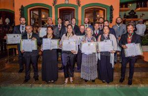 Prefeito Vinicius Claussen e todas as personalidades homenageadas pela Academia Brasileira de Honrarias ao Mérito