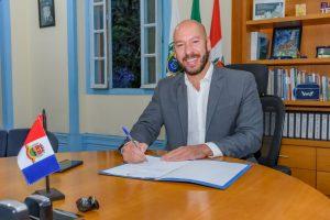Decreto prorroga por um ano o mandato dos diretores das escolas municipais