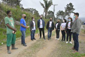 Fazenda Suíça recebe 70 mudas de árvores pelo projeto 'Florir Teresópolis'